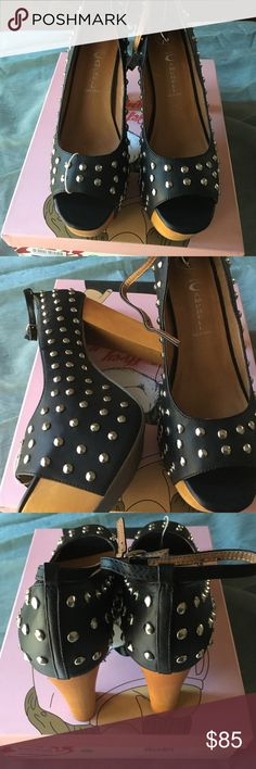 Jeffrey Campbell black studded pumps !! Gorgeous black studded pumps that have buckles on the ankles!! I love these shoes!!❤️❤️❤️😍 But they're too big!!😟 They need a good home for someone that will love to wear these!!❤️❤️❤️❤️ Jeffrey Campbell Shoes Platforms