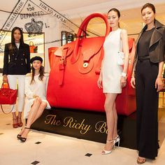 From New York City to Dubai, Paris, Moscow and more, travel around the globe with the Ricky World Tour, featuring larger-than-life Soft Ricky Bags.