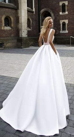 Courtesy of Oksana Mukha wedding dress; www.oksana-mukha.com; Wedding dress idea.