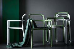 Den internationale varehusgigant Ikea og det danske designhus Hay har netop udgivet en række billeder, der viser hele spektret af møbler og accessories fra deres nye designsamarbejde. Se, den smukke kollektion her!