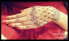 Lacy Henna Glove #zainasmehendi #mehndi #henna #art #design https://www.facebook.com/zainasmehendi
