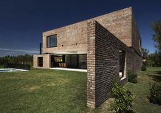 Single-family House in Pilar, Buenos Aires, Argentina by Estudio BaBO