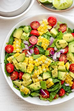 This Corn Tomato Avocado Salad is a quintessential and easy vegan summer recipe made with fresh vegetables and tossed with lime juice olive oil cilantro Summer Recipes Vegan Vegetarian Salad Ideas Lunch food Potluck Grilling Healthy Summer Recipes, Healthy Salads, Lunch Recipes, Vegetarian Recipes, Healthy Eating, Cooking Recipes, Vegetarian Salad, Clean Eating, Summer Salad Recipes