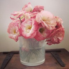 Reusing maison blanche candle jar as a vase #reuse #recycle #maisonblanchecandles #roses #flowers #candle