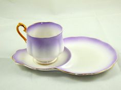 ロイヤル アルバート ティーカップと軽食サンドイッチ/ライラック/紫と白のハンプトン形状のプレート by VinteCleCtiC