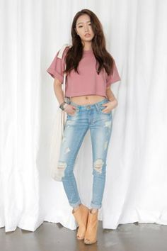 Today's Hot Pick :Light Washed Damage Skinny Jeans http://fashionstylep.com/SFSELFAA0032485/stylenandaen/out Stylishly distressed, these skinny jeans will instantly refresh your wardrobe staples. It features a classic five-pocket style, double patched pockets in reverse, belt loops, button and zip fly closure, skinny leg silhouette, and distressed, shredded detailing on both legs. Match with a crop top for a stylish finish.