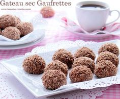 easy dry cake with wafers Algerian Recipes, Honey Cake, Truffles, Nutella, Dog Food Recipes, Sweet Tooth, Deserts, Food And Drink, Yummy Food