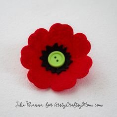 Spring flowers: Red Poppy Felt Craft Spring flowers: Red Poppy Felt Craft – A Remembrance, Armistice or Veteran's day activity. Easy step by step tutorial for kids to make. Tags - how to make a red poppy flower, Remembrance Day Kids Crafts, Easy Crafts To Sell, Crafts For Kids To Make, Felt Crafts, Remembrance Day Activities, Remembrance Day Poppy, Memorial Day Poppies, Poppy Template, Poppy Craft For Kids