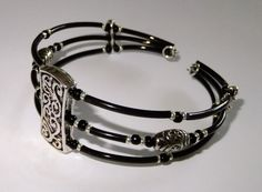 Memory wire bracelet silver and black | Busymitts