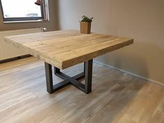 Square Kitchen Tables, Square Tables, Style At Home, Wooden Kitchen, Dining Room Table, Dinning Table Wooden, Interior Architecture, Sweet Home, New Homes