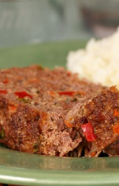 Best Meat Loaf Ever recipe from Jenny Jones (JennyCanCook.com) - This healthy meat loaf recipe gets rave reviews every time. And it's baked on foil so there's no cleanup! #JennyCanCook