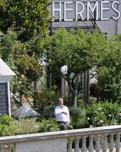 Jean Claude Ellena from Paris Faubourg Saint Honore shop roof garden inspired Paris Rooftops, Pergola, Savage Garden, Balcony Garden, Paris Garden, Sky Garden, Garden Water, Exterior, Rooftop Terrace