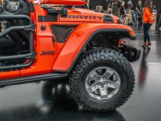 Jeep Wayout concept is cushy home away from home - Roadshow Jeep Suv, Jeep Pickup, Jeep Truck, Jeep Mods, Jeep Wrangler Accessories, Jeep Accessories, Jeep Performance Parts, Decked Truck Bed, Jeep Concept