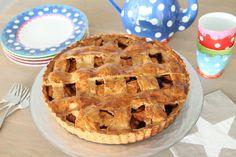 Natuurlijk mag ook een recept van de oer-Hollandse appeltaart niet ontbreken op Dayenne's Food Blog. Maar dan wel een gezonde(re) versiegemaakt metspeltmeel en vrij van geraffineerde suiker…