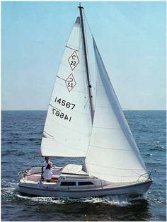 We had a Catalina 22, my dad first taught me to sail on this boat - fond memories....