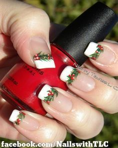 Get into the spirit of the season and dress those nails with the cutest colours and Christmas nail art ideas, here are a few nail art designs to choose from. Nail Art Noel, Xmas Nail Art, Holiday Nail Art, Xmas Nails, Winter Nail Art, Winter Nails, Christmas Nails, Holly Christmas, Fancy Nails