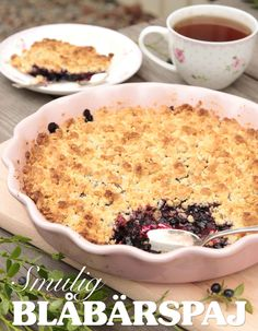 Blueberry crumble - exchange one dl of flour with almond flour Pie Crumble, Blueberry Crumble, Cinnamon Cake, Swedish Recipes, Fika, No Bake Desserts, Almond Flour, Baking Recipes, Macaroni And Cheese