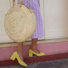 ✨ @sandradrifter wearing the Villa Pump in Nectar and the Lucille Round Wicker basket ☀️ ✨ - Linked in profile.