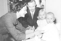 Prince Henri as a baby with his sister Princess Marie Astrid and the Grand Ducal couple at the end of 1955