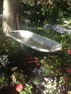 Not sure what to do with an old bathtub? What about turn it into an outdoor water feature in your garden? Not sure what to do with an old bathtub? What about turn it into an outdoor water feature in your garden? Old Bathtub, Garden Bathtub, Outdoor Bathtub, Bathtub Ideas, Bathtub Pictures, Jacuzzi Bathtub, Nature Aesthetic, Plant Aesthetic, Spring Aesthetic