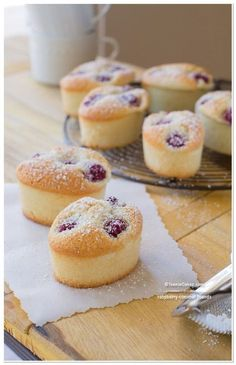 Light and Airy Raspberry-Coconut Friands recipe—Must make gluten free! Almond Recipes, Baking Recipes, Cookie Recipes, Dessert Recipes, Tea Cakes, Mini Cakes, Cupcake Cakes, Mini Desserts, Just Desserts