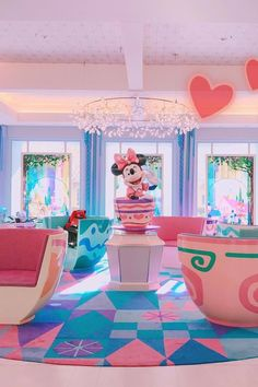 We've now added yet another stop to our Disney bucket list: Tokyo Disney Celebration Hotel. Just when we thought our hearts were set on the awesome Tokyo