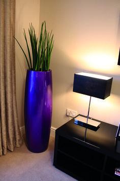Fusion planter in deep purple (http://www.livingreendesign.com/category/39-fusion.aspx)