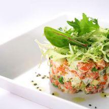 Ma recette du jour : Salade de concombre et saumon fumé,sauce au petit suisse sur Recettes.net