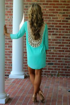 This mint dress goes so well with these nude heels. Perfect for date night!