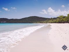 Magens Bay is a place where the calm water and white beaches re-incarnate your tropical dream. #MSCDivina Magens Bay mjesto je gdje mirno more i bijele plaže oživljavaju vaš tropski san.