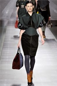 Fall Winter 2012-13 Fendi, Milan - click on the photo to see the complete collection and review on Vogue.it