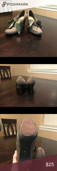 Ann Marino Satin Bow Heels! NWOT! Great condition! New without tags. No wearing on soles as shown in photos. Light grey with a grey/green satin bow. Ann Marino Shoes Heels