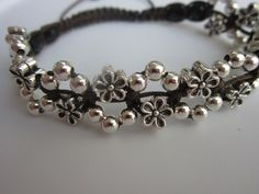 Shamballa Flowers Bracelet - YouTube Easy to follow even though it's not in English