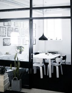 How to: From Office to Home. Check out how Emma Fexeus transformed this office in Stockholm into a cozy home with few simple elements. Interior Architecture, Interior And Exterior, Interior Design, Stockholm, Minimalist Interior, Scandinavian Interior, Cozy House, Decoration, Interior Inspiration