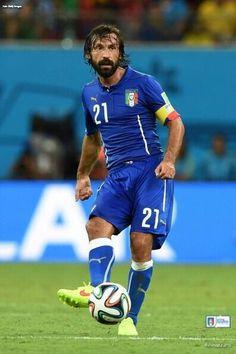 Andrea Pirlo Italy Football Soccer, Football Players, All Star, Andrea Pirlo, Soccer World, Vintage Football, Fifa World Cup, England, Running