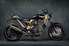 un chuzo de moto