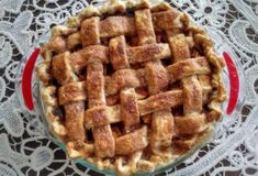"""""""The best apple pie recipe"""". Interesting idea of making a sauce to toss the apples in first Homemade Apple Pies, Apple Pie Recipes, Baking Recipes, Yummy Treats, Sweet Treats, Yummy Food, Just Desserts, Dessert Recipes, Best Apple Pie"""