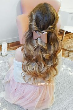 GORGEOUS clip-in extensions by Luxy Hair in Dirty Blonde <3 So pretty and romantic! These waves are everything!