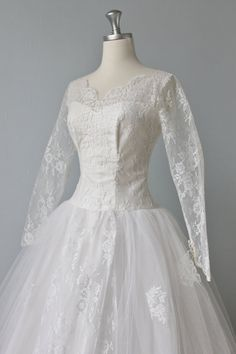 The Vintage Mistress - 1950s Lace Wedding Dress Whisper