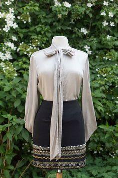 Zwarte rok met decoratief randje in maat 40, 27,50 en een grijze blouse van Dante voor 35,- in maat 42/44.   #prinsenenprinsessen www.prinsenenprinsessen.com