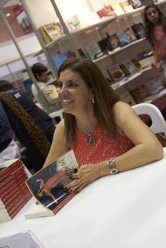 18.05.13_Libro Jenni Rivera, la increíble vida de una mariposa guerrera_Laila Cobo_PVC 8 | Flickr: Intercambio de fotos