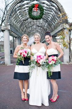Short Navy and White Striped Bridesmaids Dresses | photography by http://www.tyrableek.com/