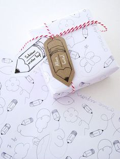 Freebie zum ersten Schultag   zur Einschulung. Geschenk zur Einschulung schön verpacken oder pimpen.