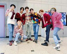 Pentagon Members, Fandom, Cube Entertainment, Group Photos, Taeyong, Kpop Groups, Boys, Pentagon Hongseok, Layouts