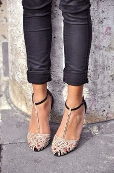 T-strap heels with skinny jeans