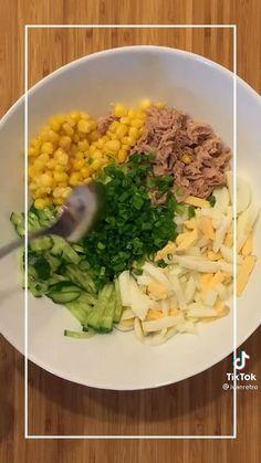 Food Garnishes, Pain, Food Art, Cobb Salad, Recipes, Cooking, Creative Crafts, Finger Food, Bakken