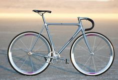 Learning to ride a bike is no big deal. Learning the best ways to keep your bike from breaking down can be just as simple. Fixed Gear Bicycle, Cycling Gear, Retro Bike, Buy Bike, Bicycle Maintenance, Bicycle Design, Bike Accessories, Vintage Bicycles, Road Bikes