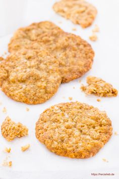 Biscuit recipes, Swedish recipes: Recipe for Swedish oatmeal cookies that are very flat and crispy. These cookies are super easy to bake and without e. Oatmeal Cookies, Chocolate Chip Cookies, Savarin, Swedish Recipes, Cake Mix Cookies, Biscuit Recipe, Christmas Baking, Bread Baking, Cookie Recipes