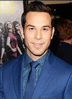 Skylar Astin from Pitch Perfect. May I please audition to be your girlfriend??
