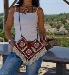 Crochet bag Best Picture For crochet patterns For Your Taste You are looking for something, and it is going to tell you exactly what you. Crochet Purse Patterns, Bag Crochet, Crochet Clutch, Crochet Diy, Granny Square Crochet Pattern, Crochet Handbags, Crochet Purses, Crochet Granny, Crochet Clothes